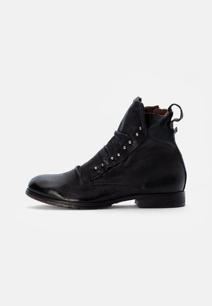 CLASH - Cowboy/biker ankle boot - nero