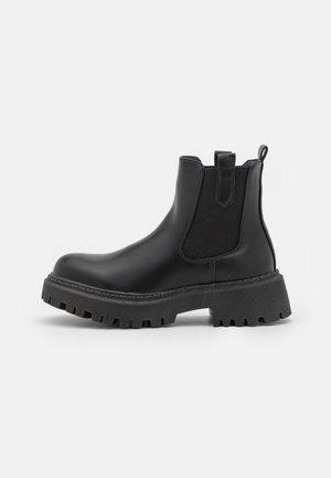 WIDE FIT VISIONARY - Kotníkové boty na platformě - black