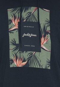 Jack & Jones - JORFLORAL - Felpa con cappuccio - navy blazer - 2