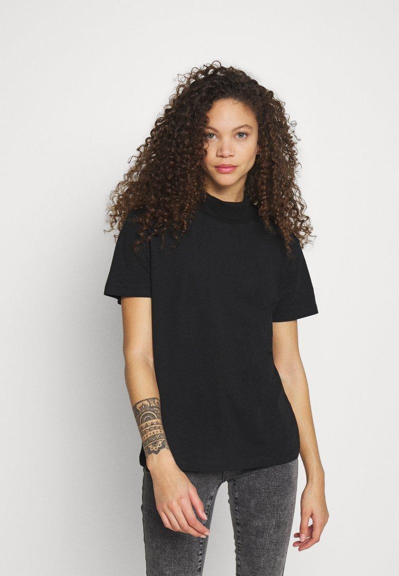 Even&Odd Petite - Basic T-shirt - black