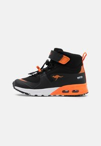 jet black/neon orange