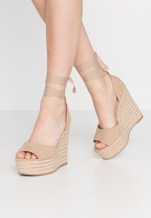 WINNIE - Korolliset sandaalit - nude