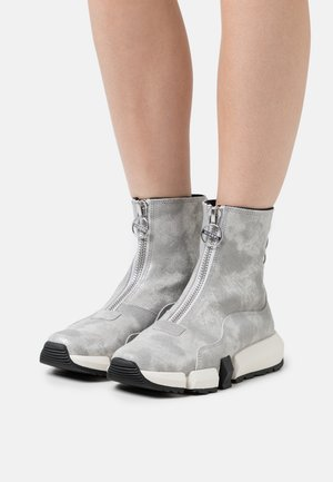 PADOLA  - High-top trainers - silver