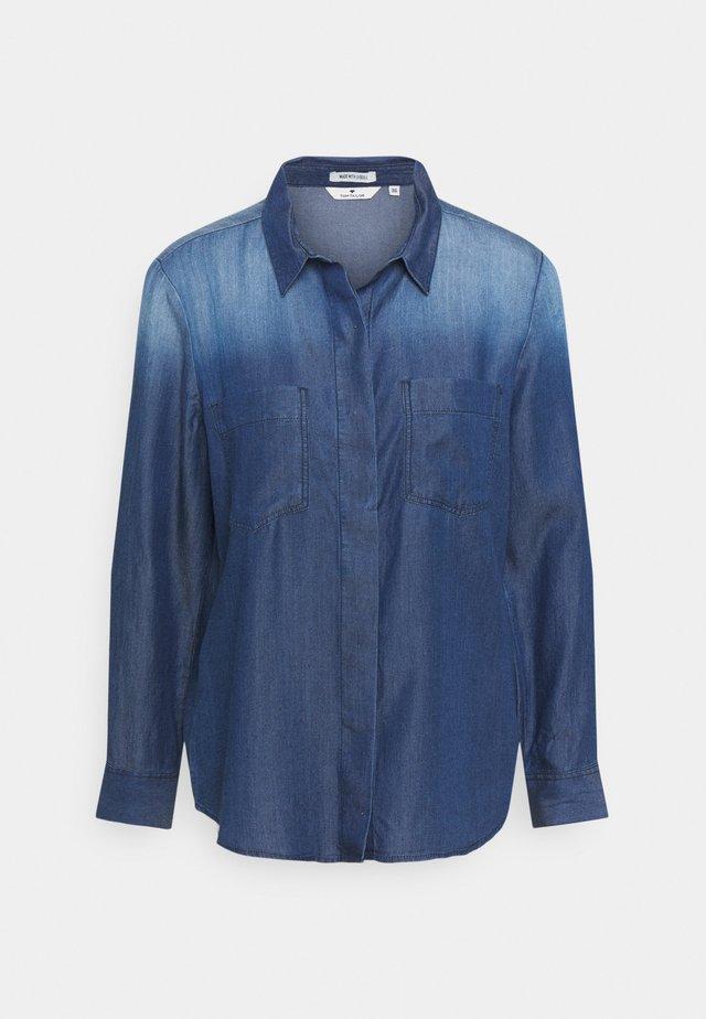 BLOUSE WITH DENIM LOOK - Button-down blouse - dark stone wash denim