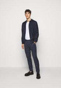 HUGO - HESTEN - Kostymbyxor - medium blue - 1