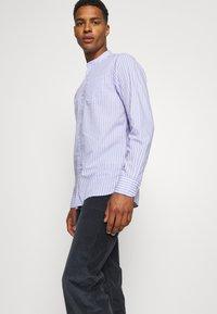 Scotch & Soda - LIGHTWEIGHT STRIPED SHIRT - Shirt - purple/white - 3