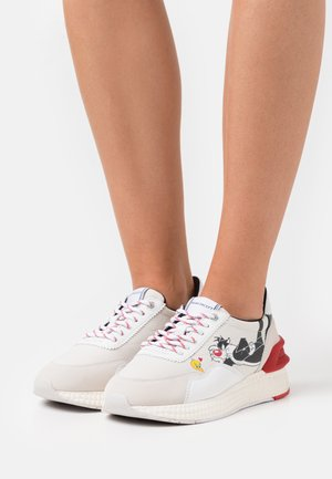 RUNNING - Sneakers laag - white/red