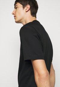J.LINDEBERG - ACE MOCK NECK - T-shirt - bas - black - 4