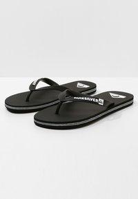 Quiksilver - QUIKSILVER™ MOLOKAI - SANDALEN FÜR MÄNNER AQYL100601 - Pool shoes - black/white - 2