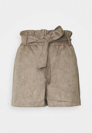VMSUMMER SABINA - Shorts - bungee cord