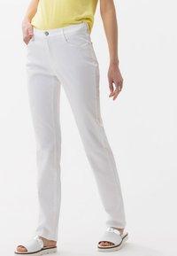 BRAX - STYLE CAROLA - Straight leg jeans - white - 0