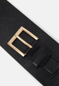Pieces - PCMARSHA WAIST BELT - Waist belt - black/gold-coloured - 3