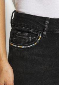 Desigual - LESLIE - Jeans Skinny Fit - denim black wah - 6