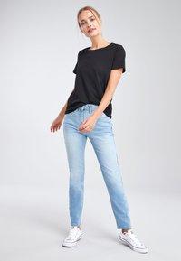 Next - Basic T-shirt - black - 1