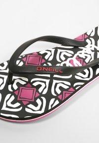 O'Neill - MOYA  - T-bar sandals - black with purple - 6