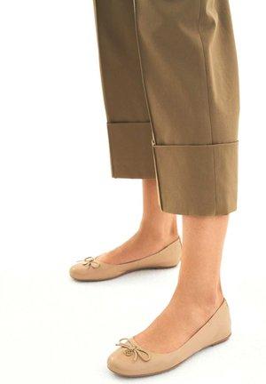 KATIE - Baleriny - light brown
