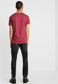 Tigha - BILLY THE KID PATCHED - Jeans slim fit - dark grey - 2