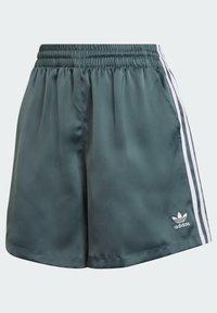 adidas Originals - SATIN SHORTS ADICOLOR ORIGINALS LOOSE - Shorts - hazy emerald - 6