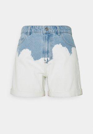 ONLLIVA TIE DYE FOLD UP - Jeansshorts - medium blue denim