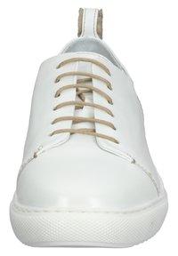 Everybody - Sneakersy niskie - positano white - 6