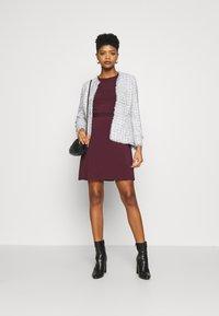 Vila - VIEBONI TIE DRESS - Jersey dress - winetasting - 1