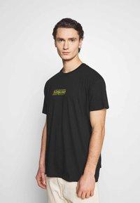 Night Addict - NAREALITY - Print T-shirt - black - 2