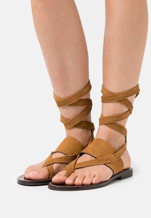 Sandalias de dedo - sigaro