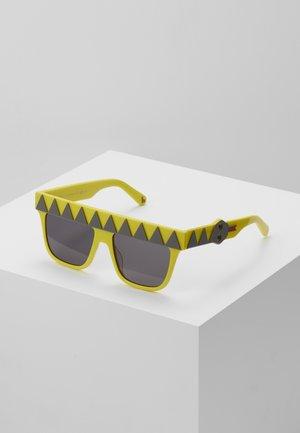 SUNGLASS KID - Sunglasses - yellow