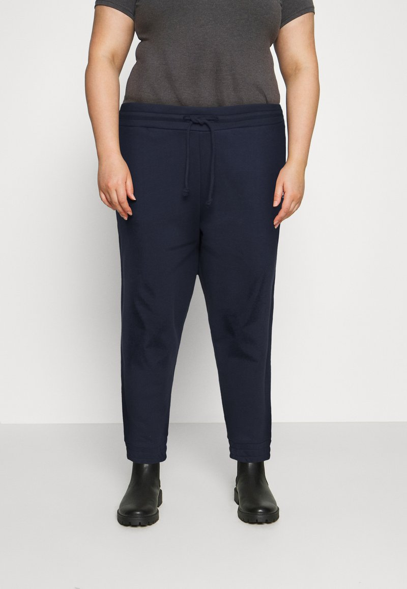 Tommy Jeans Curve - RELAXED - Tracksuit bottoms - twilight navy