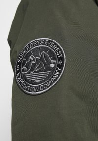 Superdry - EVEREST  - Winter coat - army khaki - 6