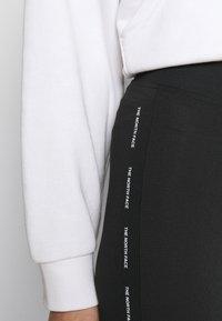 The North Face - TIGHT - Shorts - black - 4