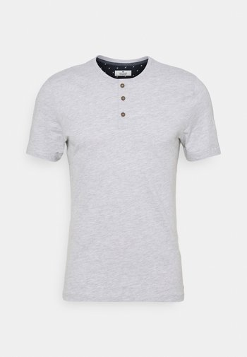 HENLEY WITH SMART DETAILS