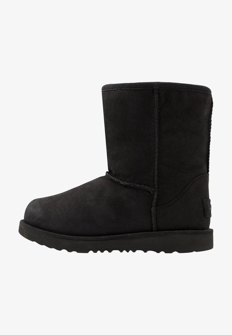 UGG - CLASSIC WEATHER SHORT - Bottes de neige - black