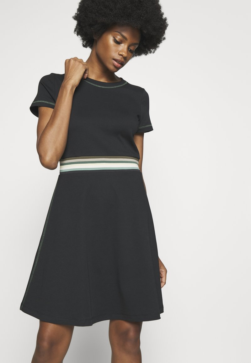 edc by Esprit - RAINBOW - Žerzejové šaty - black
