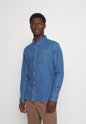 JPRBLAPERFECT SHIRT - Camicia - medium blue denim