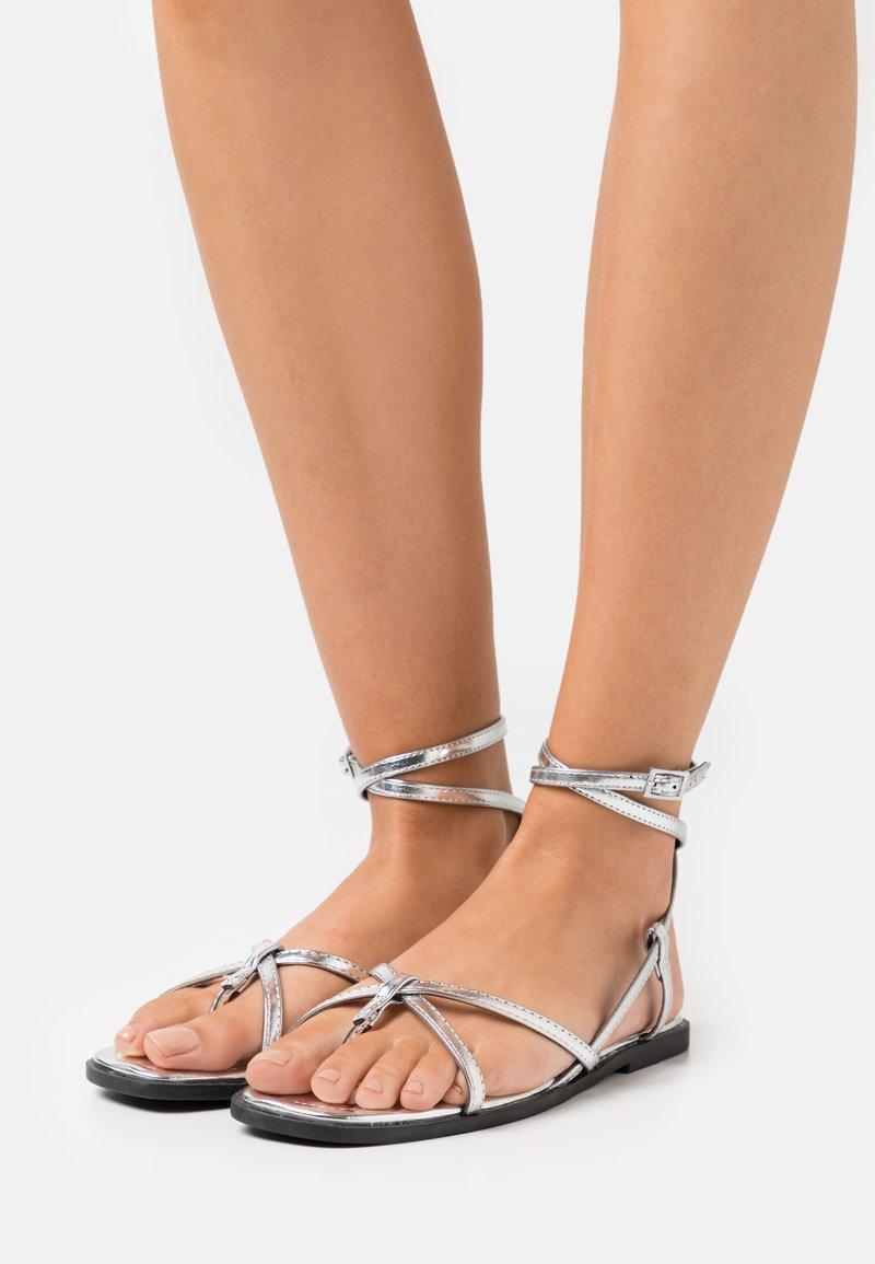 ONLY SHOES - ONLMIA STRAP TOE SPLIT  - T-bar sandals - silver