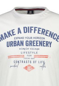 LERROS - MAKE A DIFFERENCE - Print T-shirt - white - 2