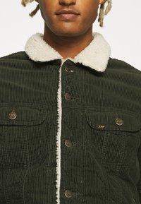 Lee - SHERPA JACKET - Light jacket - rosin - 5
