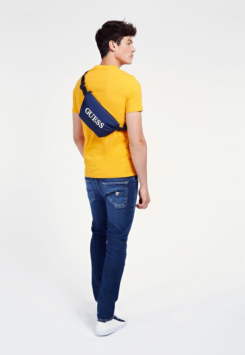 Guess - QUARTO  - Bum bag - blau