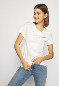 Levi's® - PERFECT TEE - Printtipaita - yellow - 3