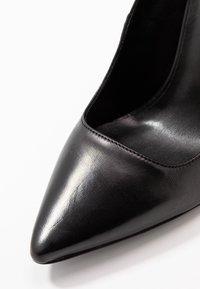 Trussardi Jeans - Højhælede pumps - black - 2