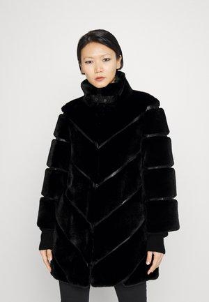 GIUBBOTTO - Płaszcz zimowy - nero