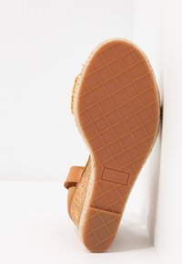 GANT - PELICANBAY  - Sandały na obcasie - fudge/caramel - 6