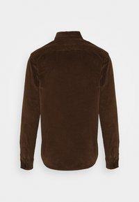 Kronstadt - JOHN OVERSHIRT - Shirt - dusty brown - 1