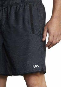 RVCA - Shorts - hawaiian camo - 3