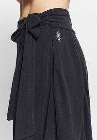 Free People - VENICE HAREM - Pantalon de survêtement - black - 4