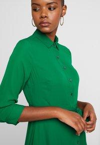 Banana Republic - SAVANNAH DRESS - Robe longue - luscious green - 7