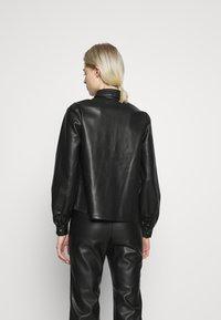 Vero Moda - VMSERENA SHIRT - Camisa - black - 2