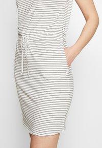 Vero Moda Tall - VMAPRIL SHORT DRESS 2 PACK - Jersey dress - black/snow - 5
