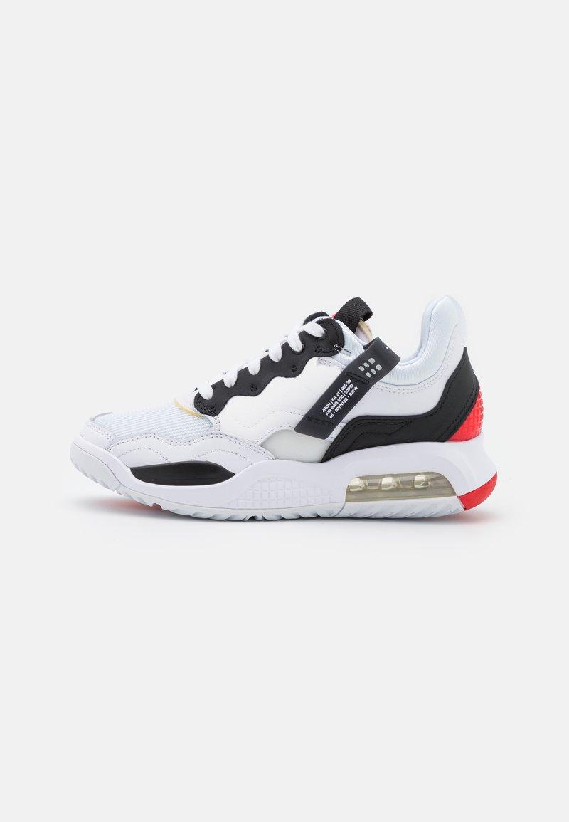 Jordan - MA2 UNISEX - Koripallokengät - white/black/university red/light smoke grey/praline